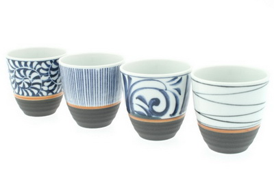 Teacup/4 Blue Patterns/Black Base
