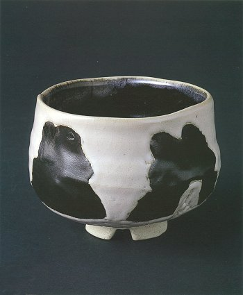 "Black and White Tea Bowl ""Menpeki"""