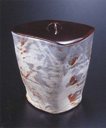 Gray Shino Three-sided Water Container